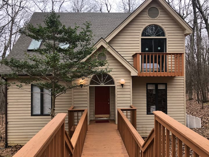 Gorgeous Wintergreen House with 7BR/6.5 Baths