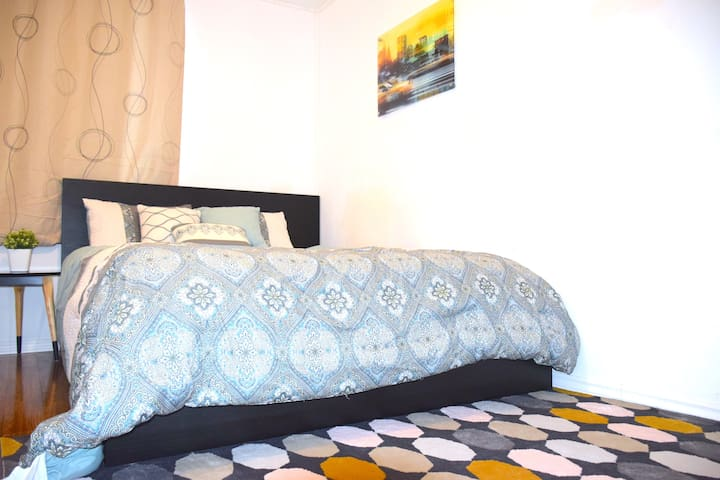 10% month off, Cozy Room 15' Airport, York uni