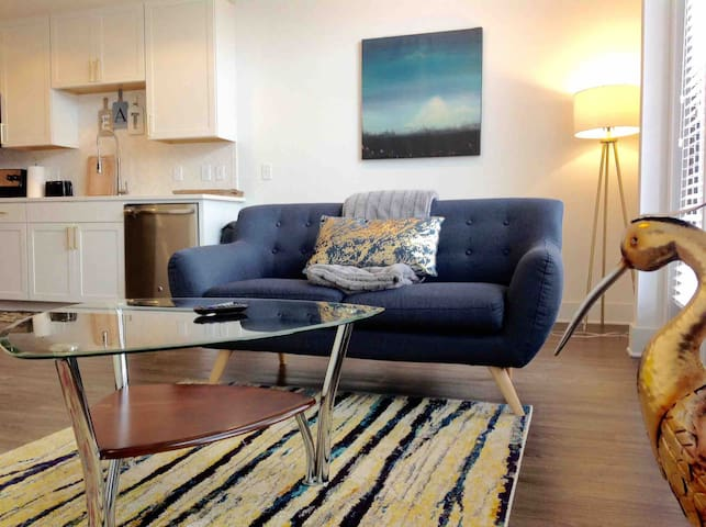 Presley - cozy Affordable Luxe, Free parking, DWTN