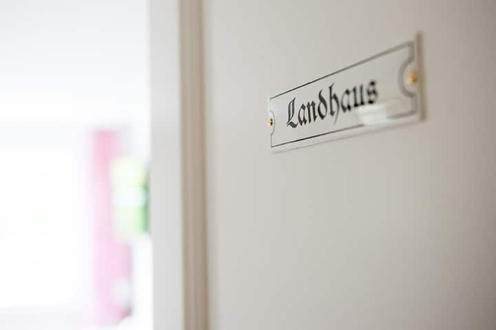 Amthof GmbH, (Oberderdingen), Landhaus - Doppelzimmer mit WC und Dusche