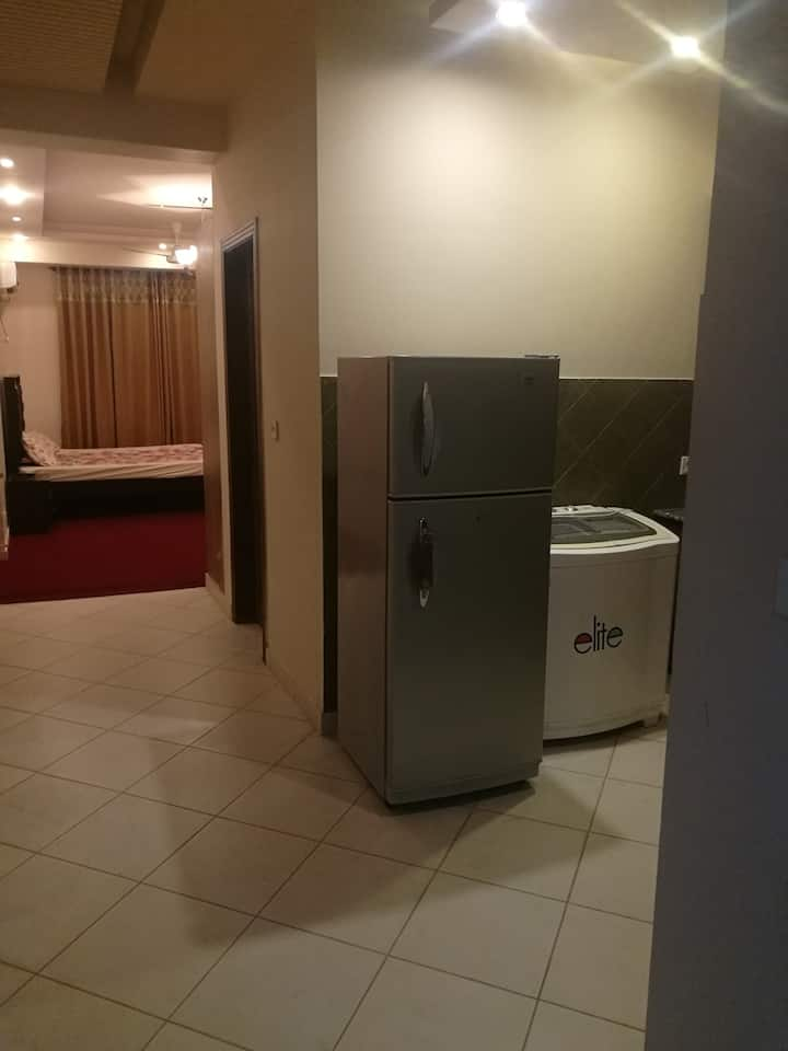 Safe and cosy one bed Apartment in Bahria Town.