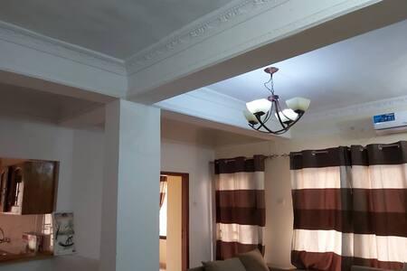 Av.Itaga-Lingwala Appartement 4