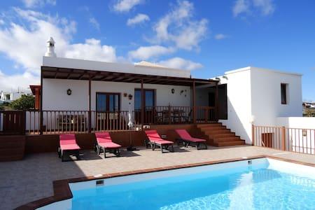 Villa El Mojón with private pool - El Mojón