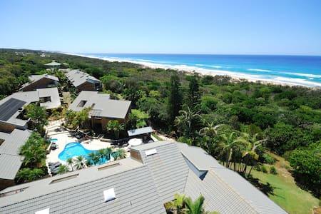 Absolute Beachfront - Peregian Beach - Şehir evi