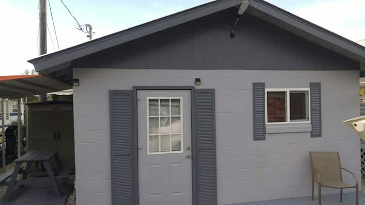 Tiny house   Private efficiency apt