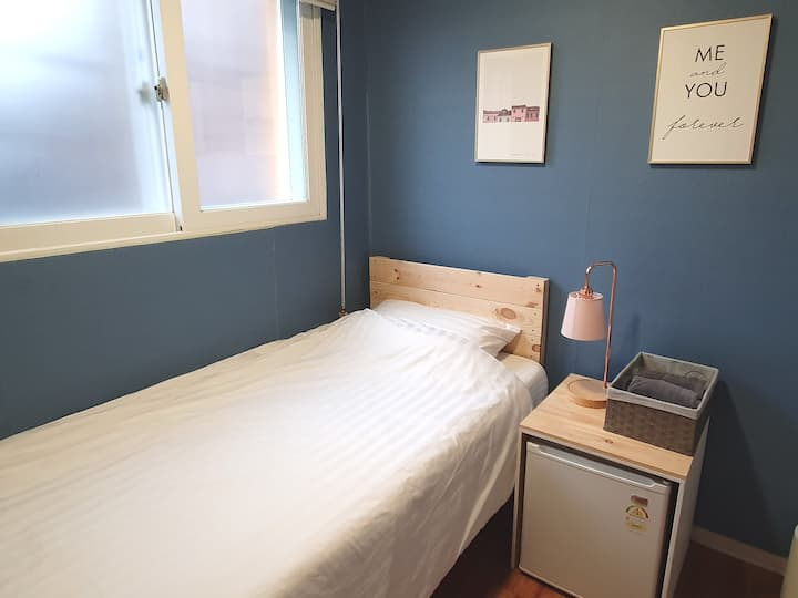 Single room - 1 minute from Dongdaemun station