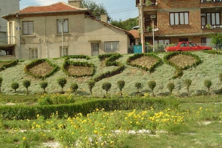 Asi apartmants near the beach 100m - Obzor - Ev