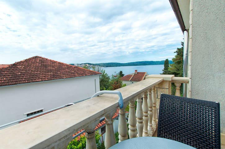 One bedroom Apartment, seaside in Okrug Gornji (Ciovo), Balcony