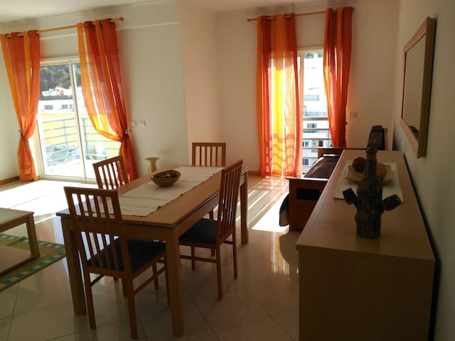 Albufeira  - well placed apartment