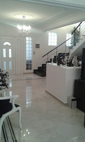 Belle villa moderne . - Chéraga - Huis