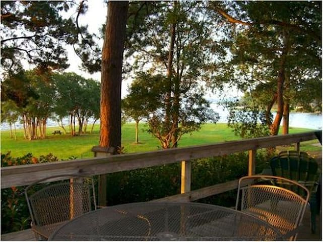 Gibson Point Vacation Rental - Milam - Cabin