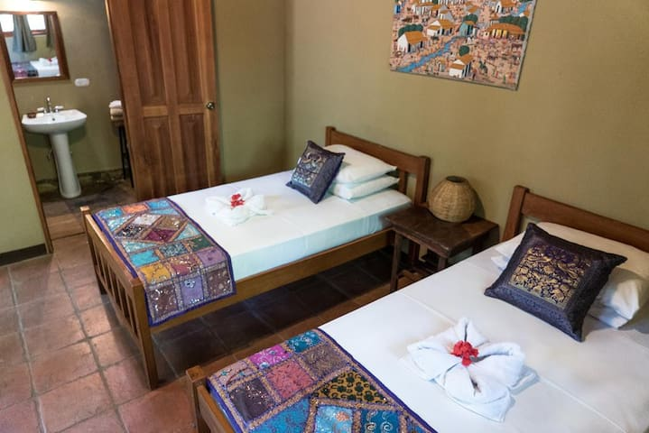 Twin Room in Eco-Friendly Villa by the Lagoon