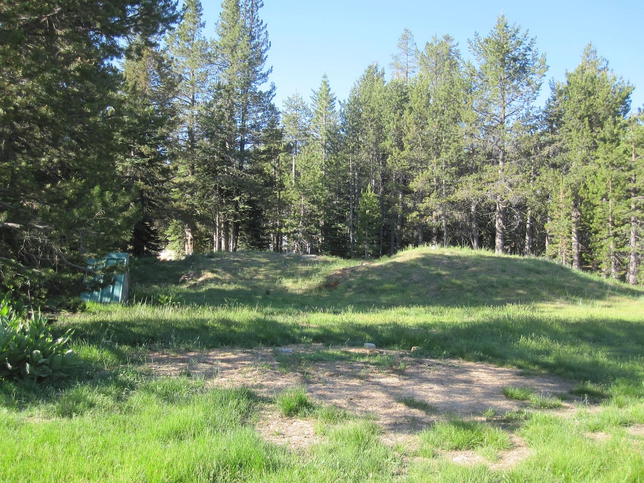 Tamrack Lodge at Bear Valley has plenty of land for group camping