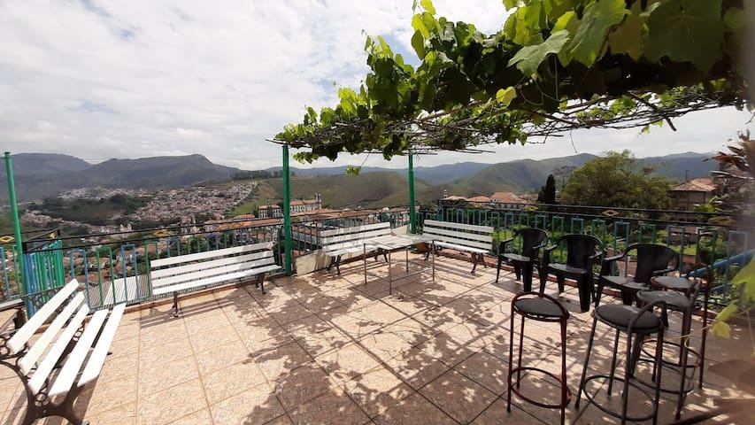 Quarto família Ouro Preto * café da manhã * vista