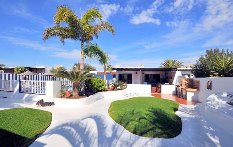 Villa Chao, Heated Private Pool Playa Blanca