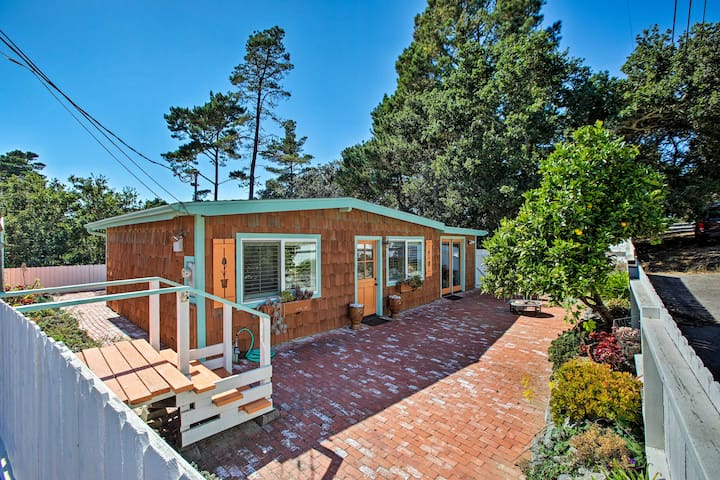 NEW! Cottage w/ Patio, 3 Mi. From Moonstone Beach!