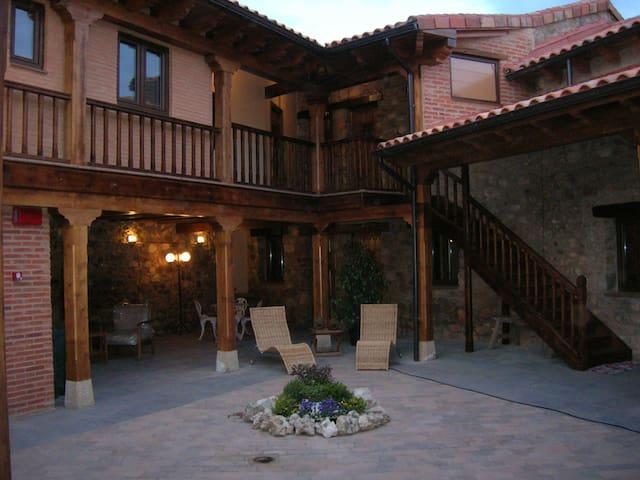 Casa Rural Las Pregancias - Habitación Hontoria