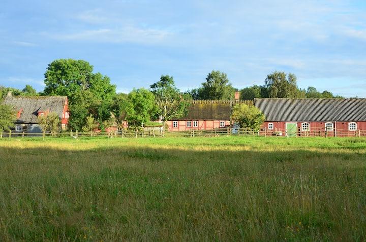 Bögerups gård vill ha tomtar på loftet!