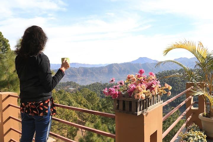 3 BHK Villa Sundeck+Valley View+Breakfast @Kasauli