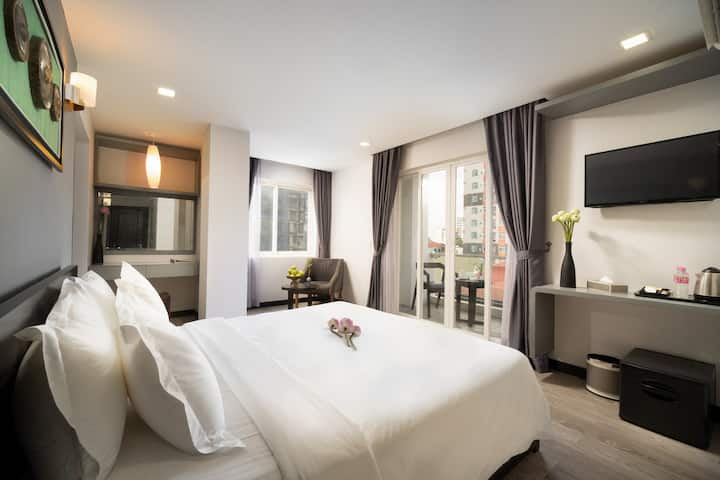 Deluxe Double Room By The Heli Boutique Hotel