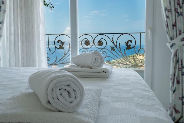 Panoramic Kaş & Sea View / 2+1 Apartment