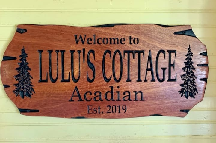 Cottage sign in the kitchen