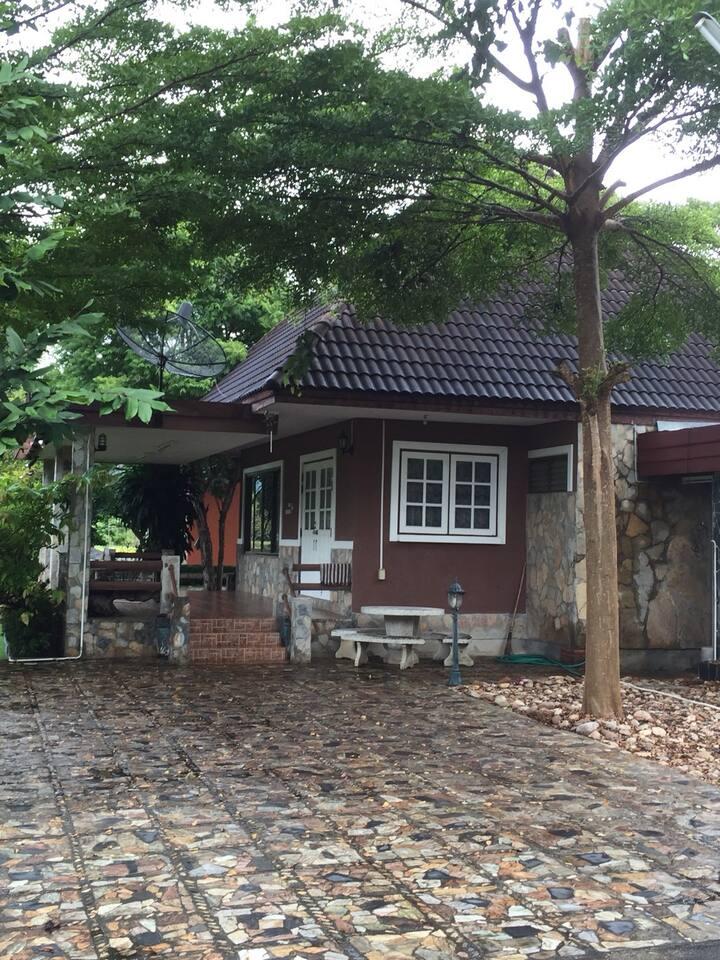 บ้านเฟื่องฟ้า กาญจนบุรี