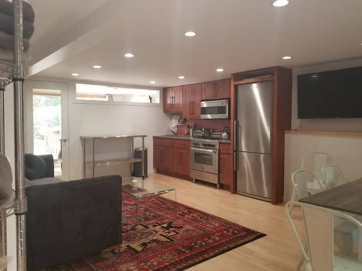 Gowanus Duplex w/ Backyard & Soundproof Work Area