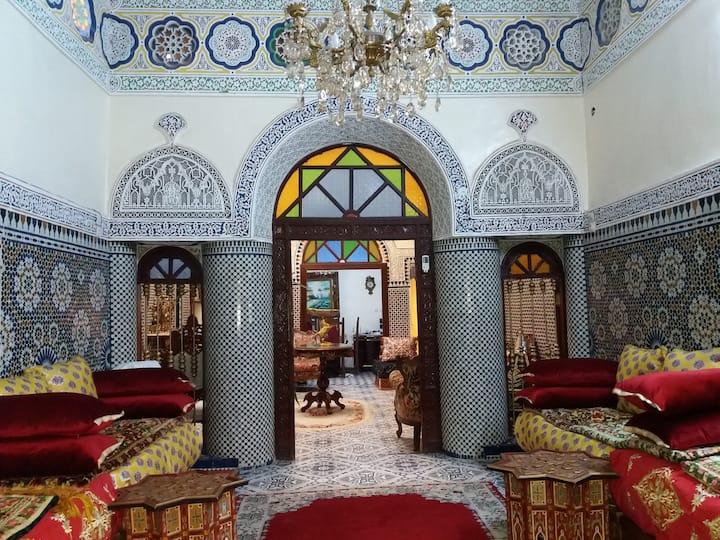 Dar El Gharnati - Chambre Batoul -King size bed-