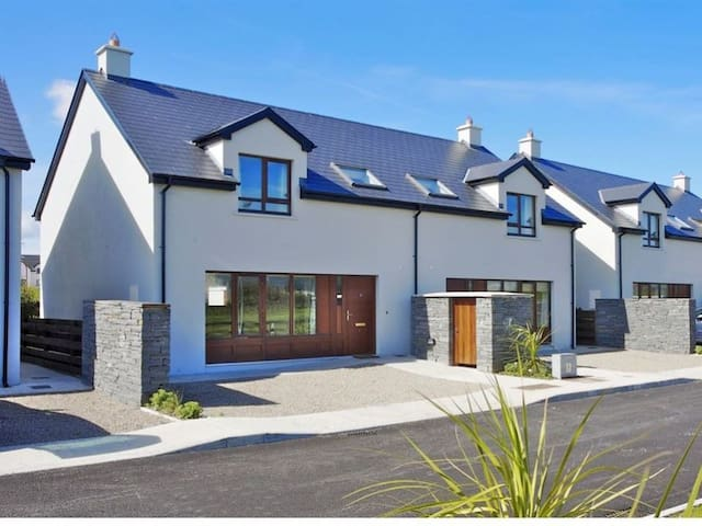 Lahinch Corran Maebh - 3 Bed house rental - Lahinch - Rumah