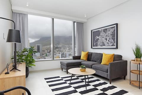 New De Waterkant Apartment with Mountain Views