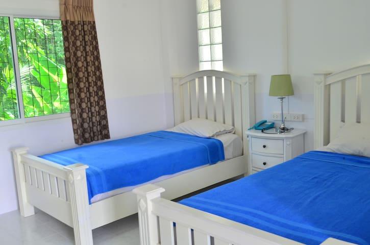 Baan Suan Rimnom Resort - Krabi Noi - Бунгало