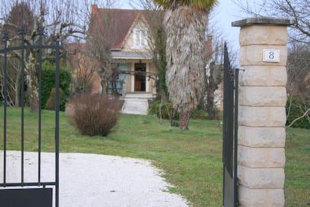 Maison de Vacances dans LE PERIGORD - Le Buisson-de-Cadouin