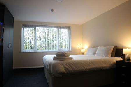 Double Suite @ Lymedale Suites - Newcastle-under-Lyme - Apartmen
