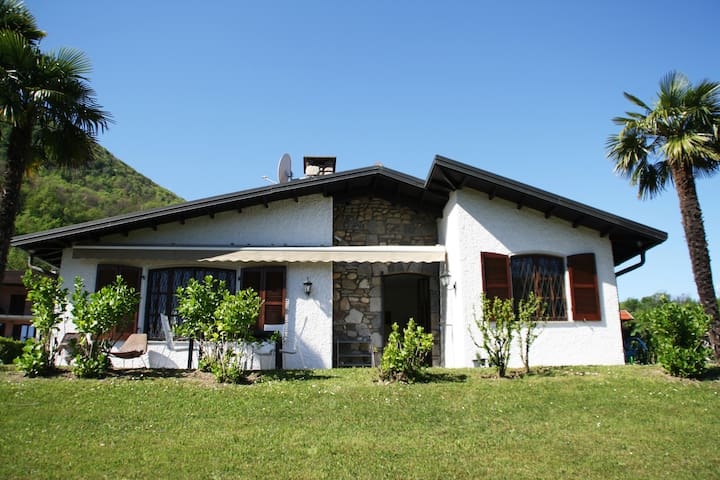 Haus am Luganersee mit privatem Badestrand