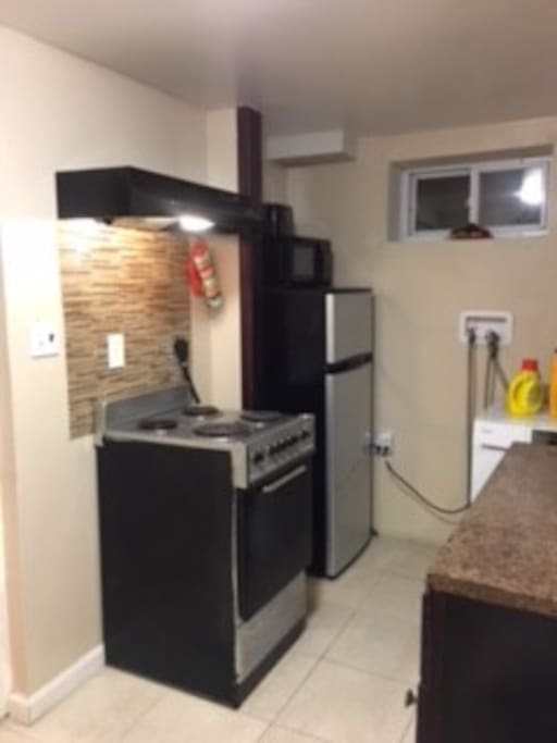 Kitchen (Electric Stove, Fridge, Microwave)