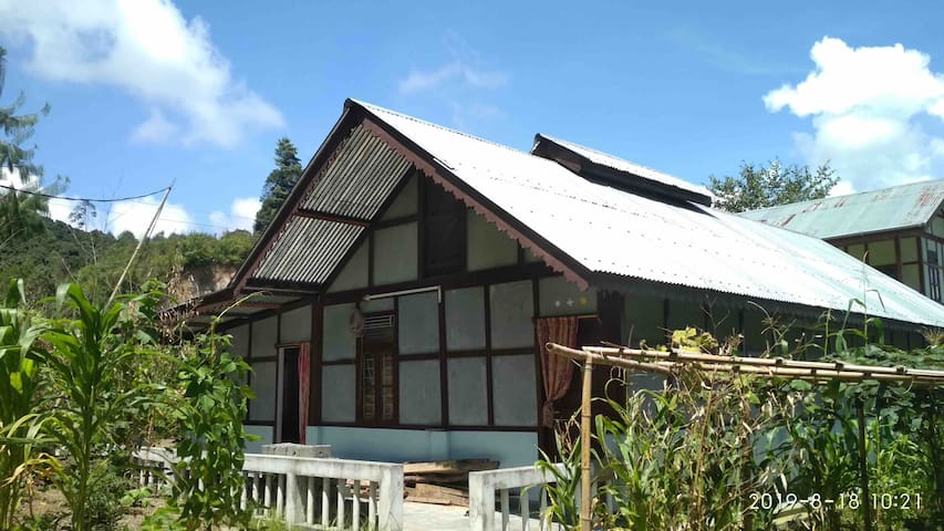 Ziro@Haopoli, Traditional type farmhouse,cosy stay