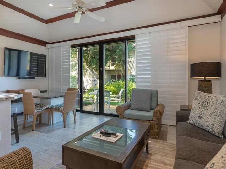 Ground Floor Ease+Open Kitchen, Lanai, Ceiling Fans, WiFi & Flat Screen–Kiahuna 2030