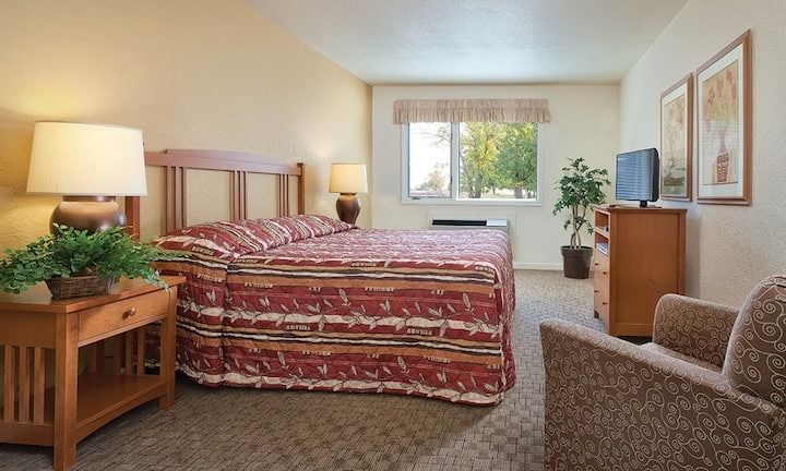 Comfy 2 bedroom Grand Lake Condo King/Queen Beds