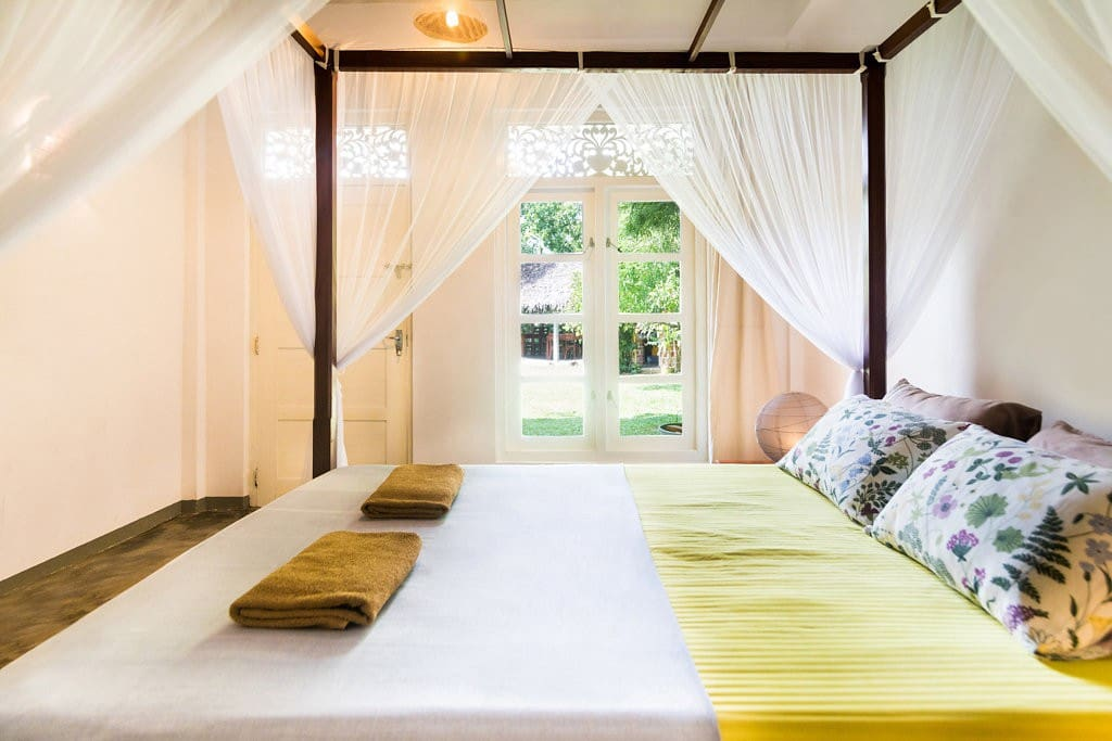 Room no 1 with queen size bed