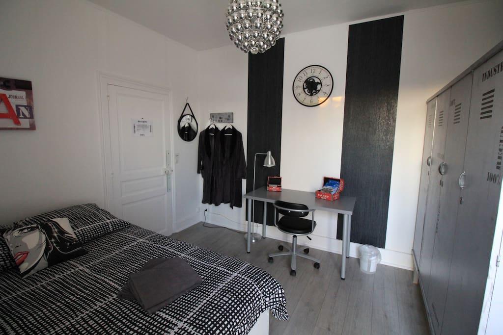 Chambre avec terrasse centre ville chambres d 39 h tes for Chambre d hote centre