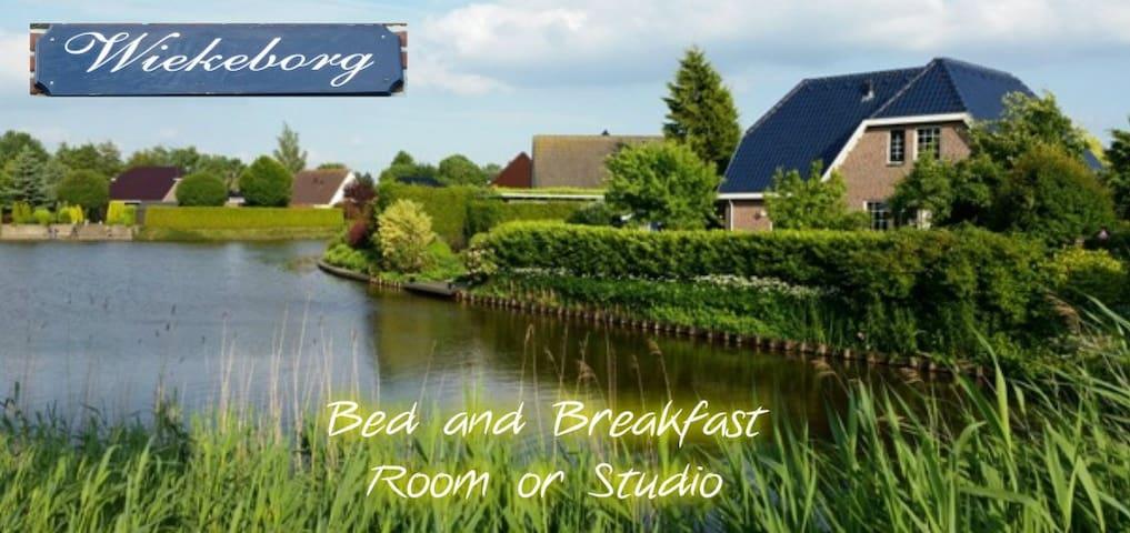 Wiekeborg (one room, one person) - Oude Pekela - Pousada