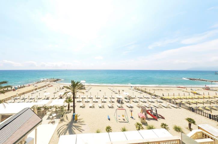Appartamento 85 mq Fronte Mare sulla Spiaggia