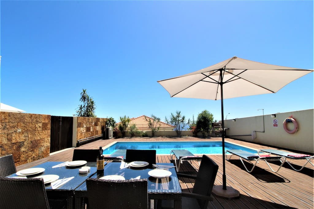 Bed Villa With Staff For Rent Portugal