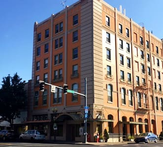 Pendleton Penthouse on Main Street - Pendleton - Apartment