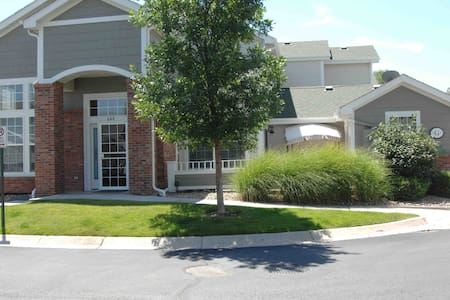Belmar Town Home - Lakewood