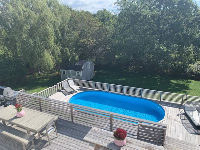 5Br luxury Montauk compound with pool and hot tub