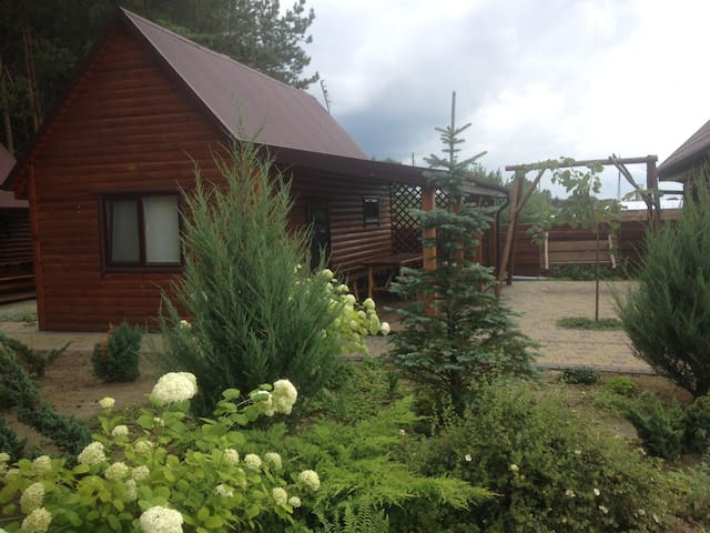 Отдых в деревянном эко доме возле озера