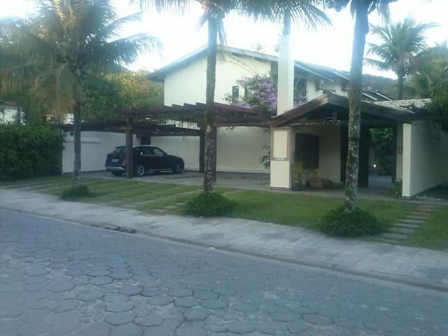 Condomínio fechado em Juquehy - Av. Mãe Bernarda