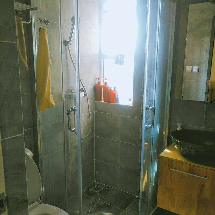 洗手间,淋浴房